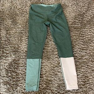 Outdoor voices dipped leggings